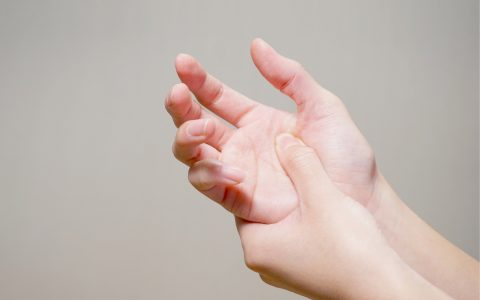 手部痠痛的困擾人人都有機會遇到,嘗試改變習慣與加強每日的保養,就可以減少痠痛的機會。
