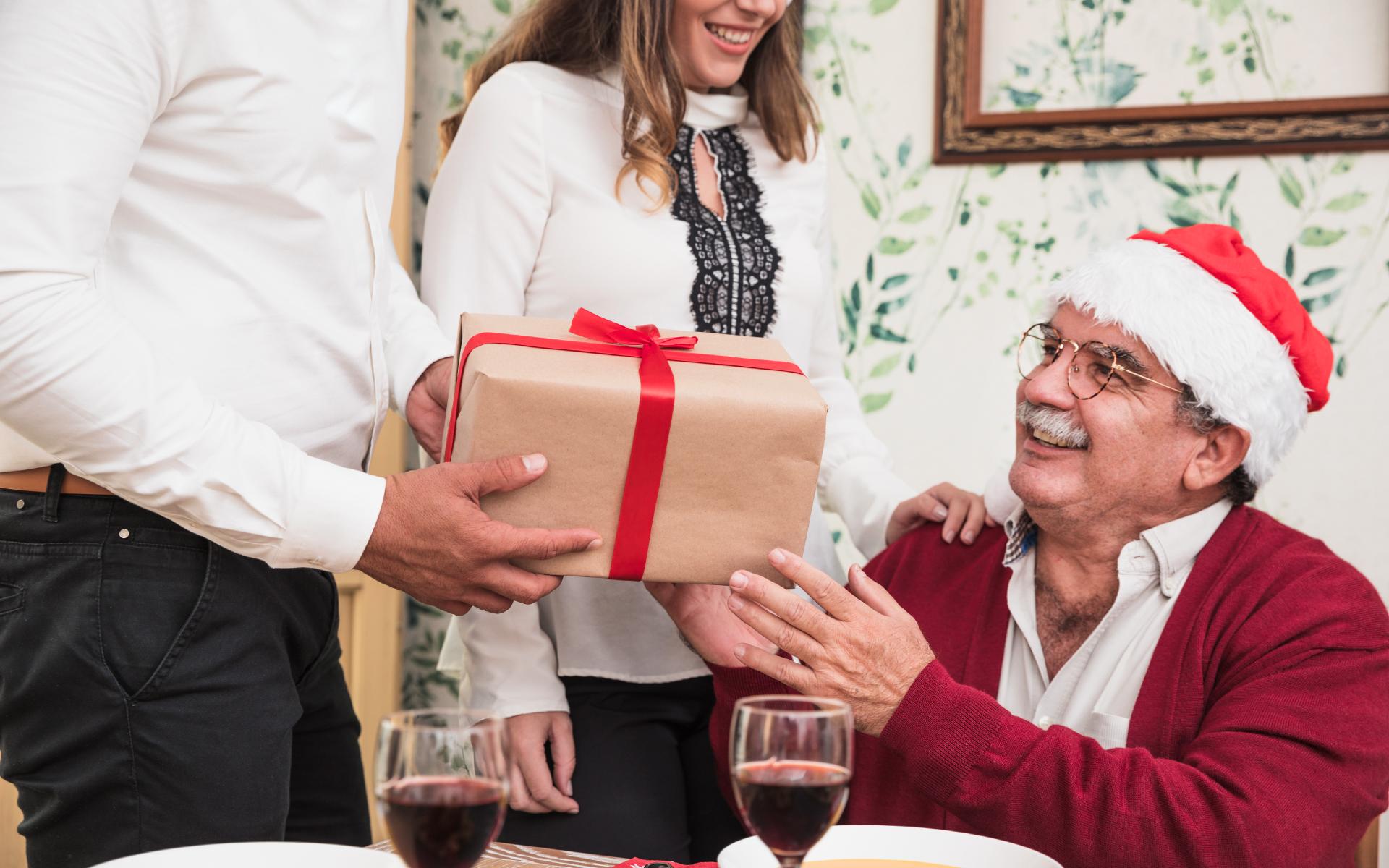 快過節了想送給長輩禮物,卻又不知道怎麼選怎麼挑嗎?Lourdes2020長輩最愛的按摩器排行榜前三名來了,推薦你長輩最愛的按摩器,送禮送得更有心意。