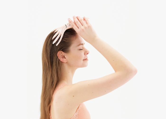 溫感震動頭皮按摩器,可以溫熱放鬆頭部壓力,像梳子一般按摩更舒適。